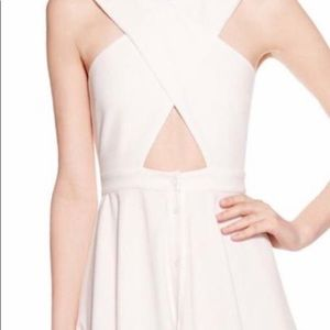 Kendall & Kylie Dresses - Kendall + Kylie white dress.  Xs